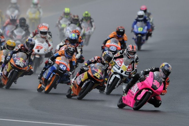 Salom secures Moto3 runner-up spot with calculated race in tricky conditions