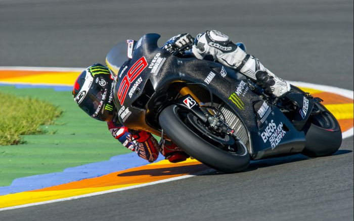 First test laps with 2014 bike for Lorenzo at Valencia