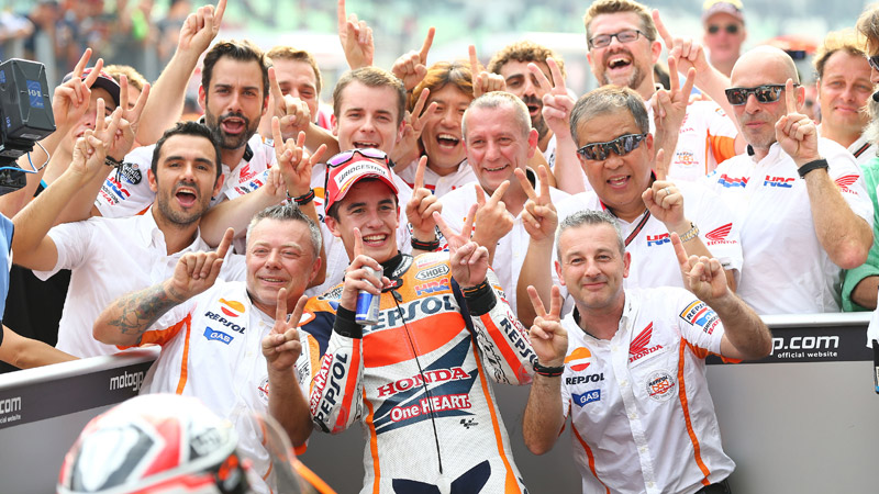 Marc Marquez takes 12th win of 2014, Honda take Constructor's title
