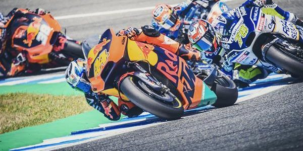 Pol Espargaro crashes out of Jerez race