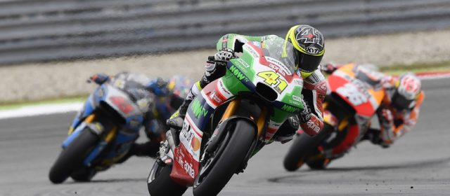 Aleix Espargaró is back in the top ten in Assen in a race ruined by rain