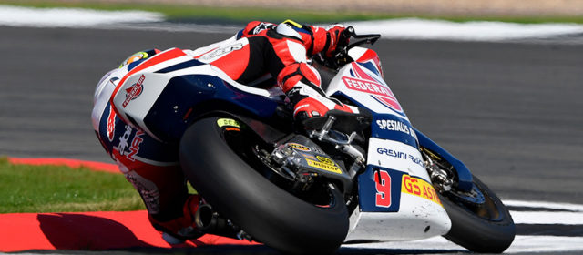 Jorge Navarro takes points at sunny Silverstone