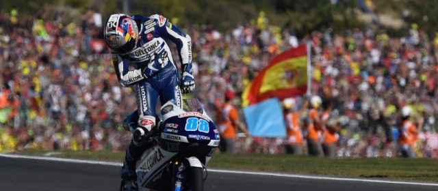 Jorge Martin takes maiden victory in Valencia