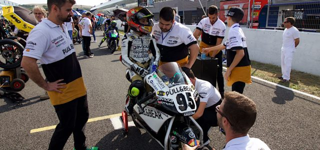 Great racing, free entry, paddock access, Spanish sunshine – What's not to love about RFME CEV?