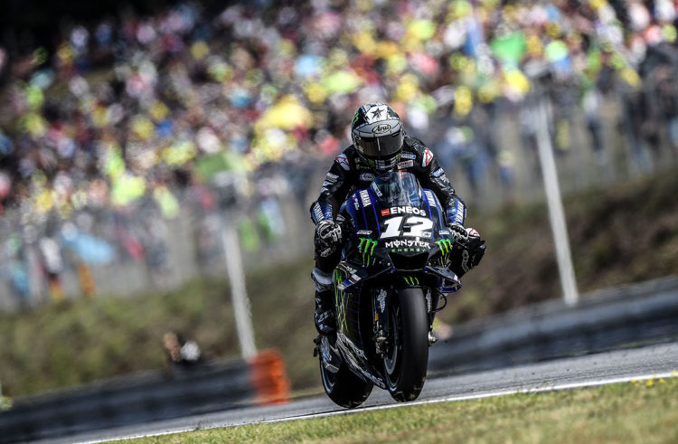 Maverick Viñales takes tenth in the Czech Republic